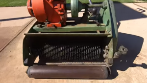 Cylinder or reel lawnmower