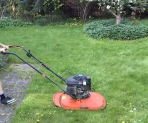 Hover or no-wheel Lawnmower